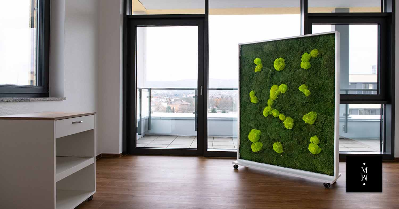 Mobiler Raumteiler aus Ballenmoos Büro
